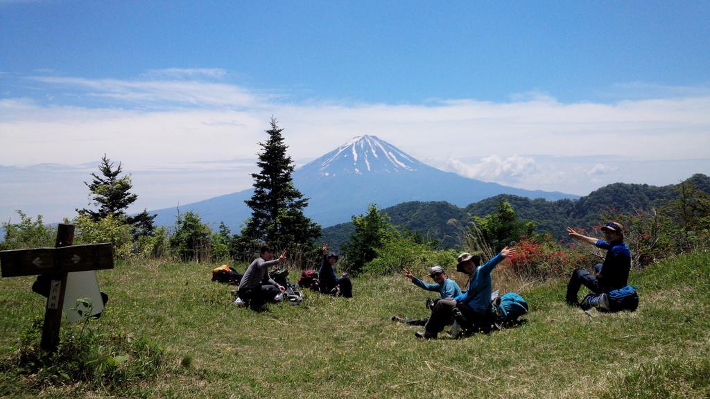 3-御坂山塊 黒岳 5月-014