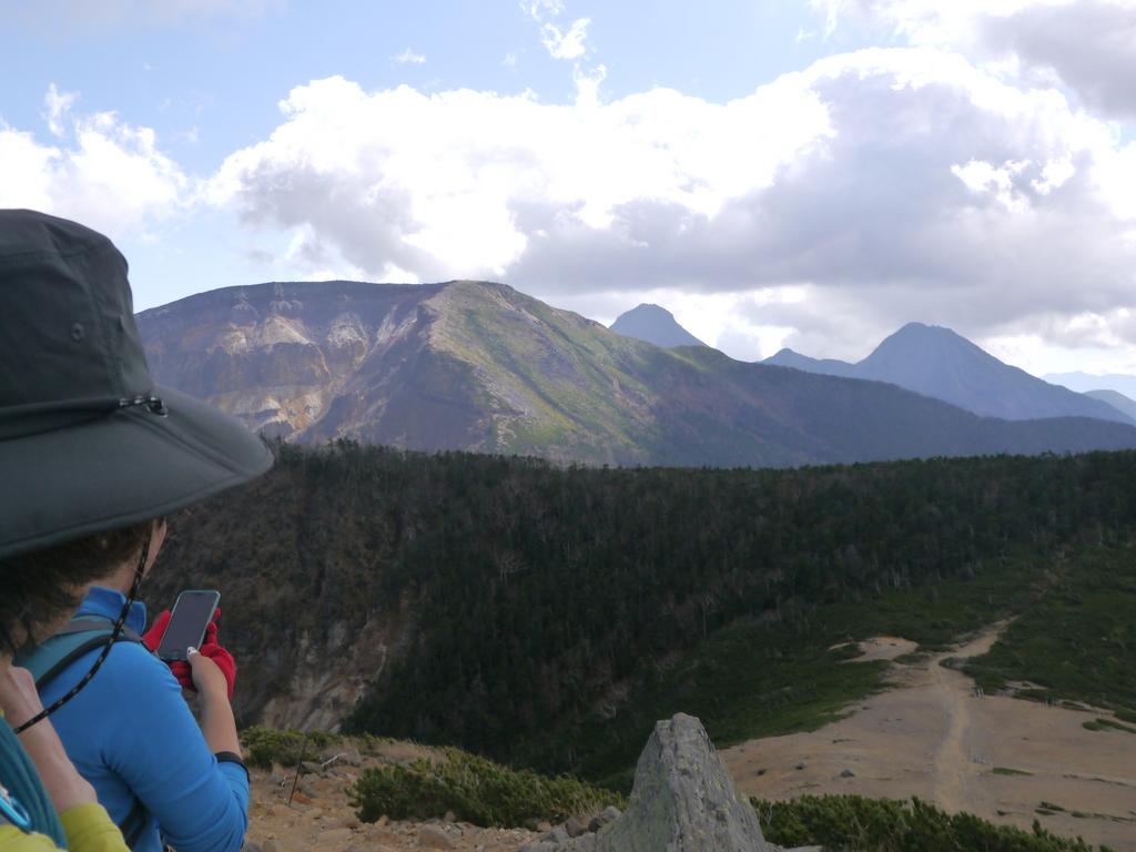 4-2015年10月根石岳からの硫黄岳