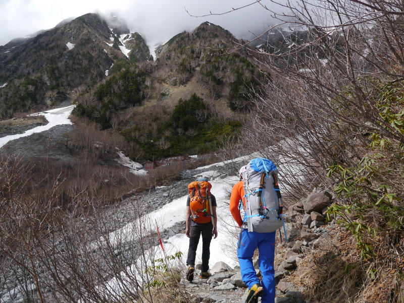 2-2016年5月岳沢-002